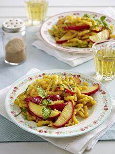 Unser beliebtes Rezept für Süße Spätzle-Pfanne mit Apfelspalten und mehr als 55.000 weitere kostenlose Rezepte auf LECKER.de.