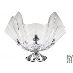 This is a nice alternative to traditional Arthur Court Pieces. The acrylic bowls are versatile and can be used solo or combined with the elegant Fleur-De-Lis stand. #servingbowl #bowl