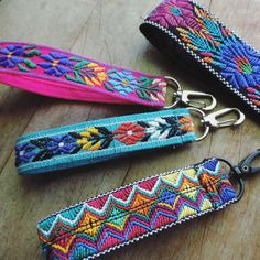 Keychains / keyfobs in so many colors and patterns! Diy Keychain, Keychains, Acoustic Guitar Accessories, Beautiful Textures, Truck Accessories, Hippie Chic, Color Patterns, Artsy, Girly