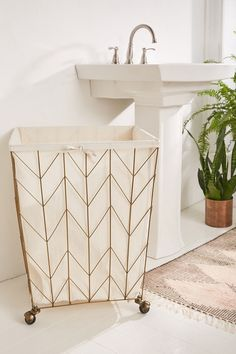 Deco-inspired chevron frame wire hamper from Urban Outfitters. Bathroom Accessories, Home Accessories, Chevron Frames, Apartment Essentials, Round Dining Table, New Room, Bathroom Inspiration, Bathroom Interior, Bedroom Decor