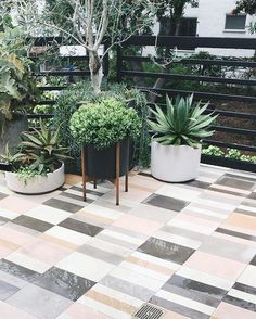 40 Stunning Painted Floor Tiles For Patio Decor Ideas Getting a fresh out of the box new search for your patio has never been simpler. Patios are normally utilized as zones for individual unwinding and diversion, or in some [Continue Read] Painting Tile Floors, Painted Floors, Painted Tiles, Painting Concrete, Hand Painted, Outdoor Patio Umbrellas, Outdoor Decor, Outdoor Living, Pergola Patio