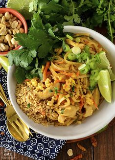 Chicken Pad Thai (No Tamarind) - Iowa Girl Eats Easy Thai Recipes, Asian Recipes, Healthy Recipes, Ethnic Recipes, Healthy Foods, Savoury Dishes, Food Dishes, Main Dishes, Sauce Recipes