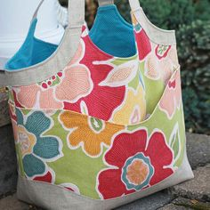 Smile & Wave Tote by Betz White