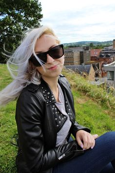 A post about our trip to Oxford is on my blog: http://www.lucid-vision.com/2016/10/oxford-uk.html#.V_-4pPnhDIU #oxford #travel #uk #architecture #photography #whitehair #girl