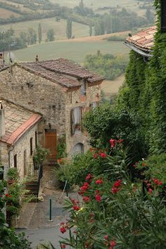 rainy day, Cordes - sur - ciel, France | Suenos de Aire Azul Blog