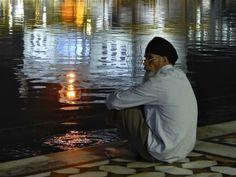 Sikh at night ceremony Golden Temple, Amritsar by Susanne Lindner Nov. 2013
