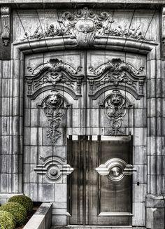 Back Door of Hôtel Fouquet's Barrière, avenue Georges V, Paris