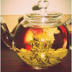 味も香りも見た目も良い工芸茶ですo(^▽^)o