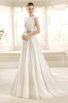 2013 Wedding Dresses A Line Scoop Court Train Chiffon