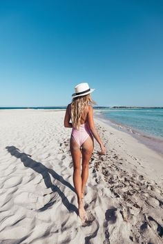 Light pink one piece swimsuit fedora Summer Vibes Fashion and Photography Photo Summer, Summer Pictures, Beach Pictures, Summer Beach, Summer Vibes, Pink Summer, Beach Bum, Summer Days, Outfit Strand
