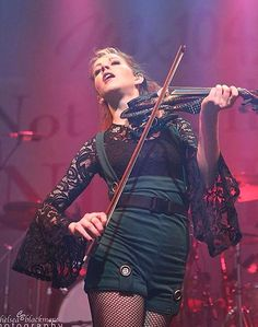 Lindsey Stirling Outfits, Lindsey Stirling Style, Violin Photography, Elizabeth Montgomery, Music Is My Escape, Stevie Ray Vaughan, Jimmy Page, Jimi Hendrix, Looks Cool