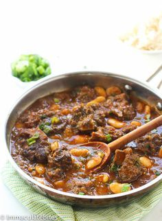 Jamaican Cuisine, Jamaican Dishes, Jamaican Recipes, Oxtail Recipes Easy, Beef Recipes, Cooking Recipes, Healthy Recipes, Curry Recipes, Savoury Recipes