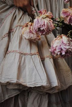 i love prairie dresses and faded flowers.. and dahlias are one of my favorites