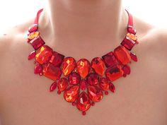 Collar babero de Rhinestone rojo brillante, Rhinestone rojo declaración collar, collar del Rhinestone rojo, rojo Jeweled babero, collar rojo de Dama de honor                                                                                                                                                                                 Más