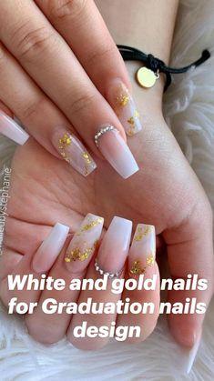 Burgundy Acrylic Nails, Gold Acrylic Nails, Acrylic Nails Coffin Short, Gold Nails, Nude Nails, White Nails With Gold, Hippie Nails, Champagne Nails, Graduation Nails