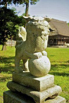 天津神社 狛犬 by nrtk, via Flickr