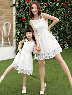 Mom and daughter fashion lace hollowed dress Mom Daughter Photos, Mother Daughter Matching Outfits, Mother Daughter Fashion, Mom And Baby Outfits, Family Outfits, Girl Outfits, Mom Dress, Baby Dress, Little Girl Dresses