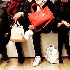La Team Gaja est sur les rangs ! Vive la mode ! #handbag #sac #maisongaja #bag #paris #frontrow
