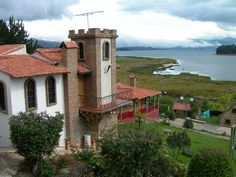 Laguna de Tota, departamento de Boyaca, Colombia, linda foto Places In Europe, Places To Travel, Places To Go, Wonderful Places, Beautiful Places, Cali Colombia, Exotic Places, Travel Around, Ecuador