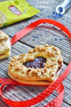 Serduszka z orzechami fot. z-milosci-do-slodkosci.blogspot.com #ciasto #serce #love #food #good #pickoftheday #photooftheday #recipe #delicious #yummy #foodporn #omnonnom