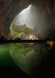 This beautiful cave in Vietnam contains a jungle, is big enough to house a skyscraper, and was only discovered in 2009.
