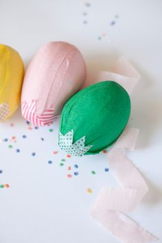 Wonderful DIY Easter egg with lots of little surprises inside.