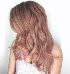 Tamira Mae Rosé all day ? Cut and color: All over balayage wit… Tamira Mae Rosé all day ? Cut and color: All over balayage with babylights, blonde pale rose gold overlay using guy tang and pink booster on dry hair ? Blond Rose, Rose Gold Hair Blonde, Champagne Blonde Hair, Rose Hair, Hair Color Pink, Blonde Color, Blonde Brunette, Balayage Hair Rose, Babylights Blonde