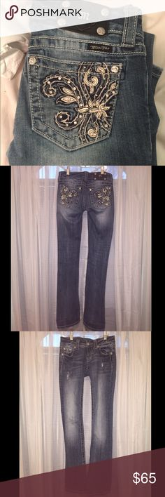 Boot Cut Miss Me Jeans Authentic Miss Me Jeans with cute design on back pocket. Bought a few years ago but only worn maybe 3 times. Size 25. If you have any questions whatsoever please don't hesitate! Miss Me Jeans Boot Cut