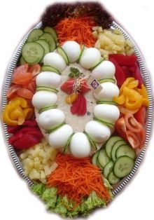 Hussareschotels and Snacks – Keurslager de Jong – Halloween Fruit Salad Recipes, Appetizer Recipes, Wedding Buffet Food, Party Food Platters, Food Carving, Food Garnishes, Veggie Tray, Food Decoration, Food Presentation
