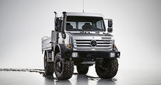 In the market for a reliable, tough and durable Mercedes Benz truck for sale? The Mercedes Benz Unimog might just be what you are looking for. 4x4 Trucks, Cool Trucks, Cool Cars, Mercedes Benz Unimog, Mercedes Truck, M Bmw, Hors Route, Mercedez Benz, Bug Out Vehicle