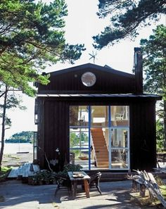 Swedish Cabin where I'm going to retire. Take a longer look: http://www.besthousedesign.com/2010/12/30/gorgeous-swedish-cabin-carouschka-streijiffert/#