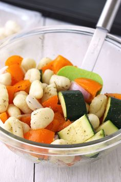 This Roasted Gnocchi and Vegetables is a quick and easy sheet pan supper for two thats perfect for busy weekdays! We love it topped with marinara sauce and parmesan cheese. Vegetarian Zucchini Recipes, Vegetarian Lunch, Vegetarian Dinners, Vegetable Recipes, Healthy High Protein Meals, Toaster Oven Recipes, Pasta Dinners, Roasting Pan, Meals For Two