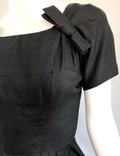 f3ff8e28 Suzy Perette 1950s Black Silk Shantung Short Sleeve Vintage 50s Bombshell  Dress In Excellent Condition For