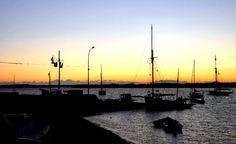 Port de Pénerf à la tombée de la nuit lors de la fête de la mer Station Balnéaire, Sailing Ships, France, World, Travel, Beautiful, Dolphins, Ship, The Sea