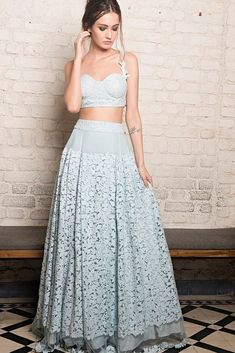 Go Traditional and make your look impressive by wearing Indian designer Lehenga - from top Indian designers in the United States of America. indiasPopup is USA's premier online shopping store for Indian designer lehenga. Indian Wedding Outfits, Indian Outfits, Indian Attire, Indian Wear, Indian Style, Indian Designer Outfits, Designer Dresses, Designer Clothing, Pool Party Outfits