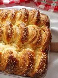La cuisine creative: Leaf cake of the second Albanian Recipes, Bosnian Recipes, Bulgarian Recipes, Croatian Recipes, Pogaca Recipe, Burek Recipe, Kiflice Recipe, Bakery Recipes, Sweets Recipes