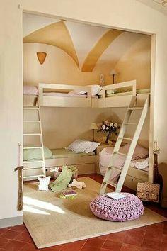 Habitación infantil compartida.