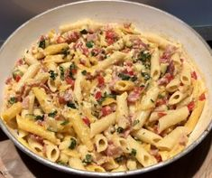 Quick pasta from the pan Pasta - Pâtisserie - Makaron Polish Recipes, Polish Food, Penne, Pasta Recipes, Pasta Salad, Macaroni And Cheese, Food And Drink, Tasty, Vegetables