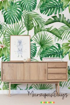 Palm and Monstera Tropical leaves, green removable wallpaper-delicate art wall, self-adhesive, watercolor wall decoration, wallpaper Solid Surface, Tropical Bedrooms, Wallpaper Samples, Palm Wallpaper, Tropical Wallpaper, Bathroom Wallpaper, Watercolor Walls, Cleaning Walls, Scandinavian Bedroom