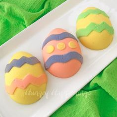 Hungry Happenings: How to Paint Cheesecake Easter Eggs plus an Easter Extravaganza Easter Egg Moulds, Easter Eggs, Egg Molds, Easter Cake, Easter Food, Hoppy Easter, Graham Cracker Dessert, Edible Crafts, Food Crafts