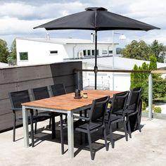 Klassisk udebord i akacietræ og stålstel Outdoor Tables, Outdoor Decor, Patio, Outdoor Furniture, Home Decor, Terrace, Interior Design, Home Interior Design, Yard Furniture