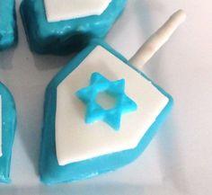 rice krispie dreidel, candy dreidel, blue and white dreidel, edible dreidel, craft dreidel, hanukkah craft, hanukkah dessert, cute dreidel