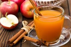 Unlike traditional apple cider, you don't need to heat on the stove. Blend this non-alcoholic cider for several minutes with a power blender to make it hot! Hot Spiced Cider, Hot Apple Cider, Apple Juice, Cranberry Juice, Orange Juice, Spiced Rum, Juice 2, Winter Cocktails, Fall Drinks