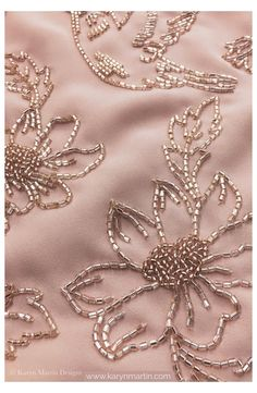 Zardozi Embroidery, Hand Embroidery Dress, Embroidery Neck Designs, Bead Embroidery Patterns, Tambour Embroidery, Bead Embroidery Jewelry, Embroidery Fabric, Embroidery With Beads, Pearl Embroidery