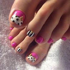 Pedicure Nail Designs, Pedicure Nail Art, Toe Nail Designs, Toe Nail Art, Pretty Toe Nails, Cute Toe Nails, Fancy Nails, Trendy Nails, Diy Nails