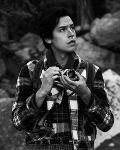 Pin by juliannacova on cole baby in 2019 cole sprouse wallpaper, cole sprou Cole M Sprouse, Sprouse Bros, Cole Sprouse Jughead, Dylan Sprouse, Riverdale Memes, Riverdale Cast, Vanessa Morgan, Dylan Y Cole, Zack Y Cody
