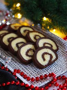 Já nevím jak Vy, ale mě už prostě chytá vánoční nálada 🎄. Držím se zuby nehty, abych už nedělala výzdobu 🙈. Takže první vánoční recept je tady, ale určitě ho využijete i mimo vánoce 🤶. Cookies, Desserts, Dishes, Food, Tailgate Desserts, Biscuits, Deserts, Plate, Essen