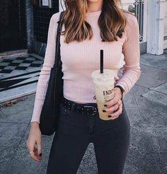 Pink outfit inspiration : get the trendy look ! trendy color pink fall winter trend color, look rosa con el color del otoño invierno, tenue rose couleur de l'automne hiver