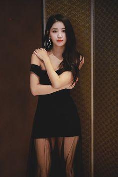 - Her Crochet Korean Beauty, Asian Beauty, Asian Fashion, Girl Fashion, Lovelyz Mijoo, Girl Outfits, Fashion Outfits, Cute Asian Girls, Beautiful Asian Women