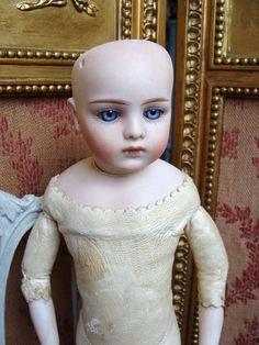 Very rare and nice antique Gebruder Kuhnlenz BRU Bebe